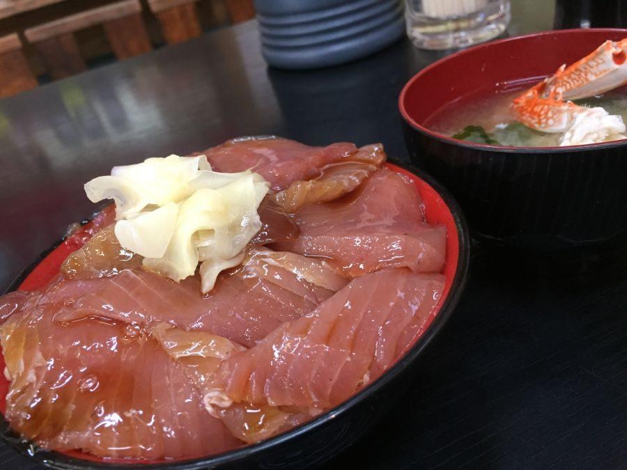 勝浦の朝イチご飯